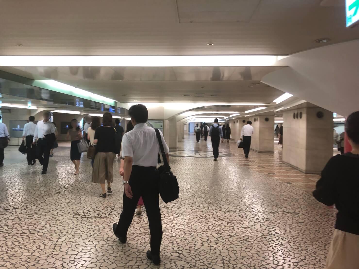 大阪駅からFLALUクリニック_顔修正9